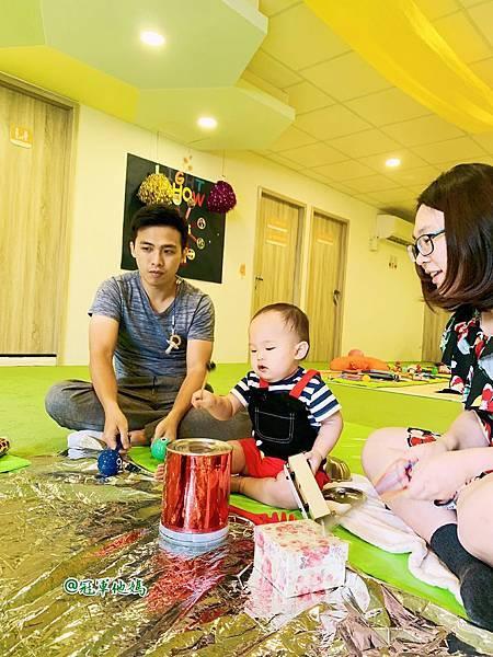 英國BabySensory親子教育-PCT童樂匯 感統遊樂區 寶寶感統課程 感覺統合 五感發展 寶寶發展 嬰幼兒發展 寶寶音樂課 寶寶燈光秀48.jpg