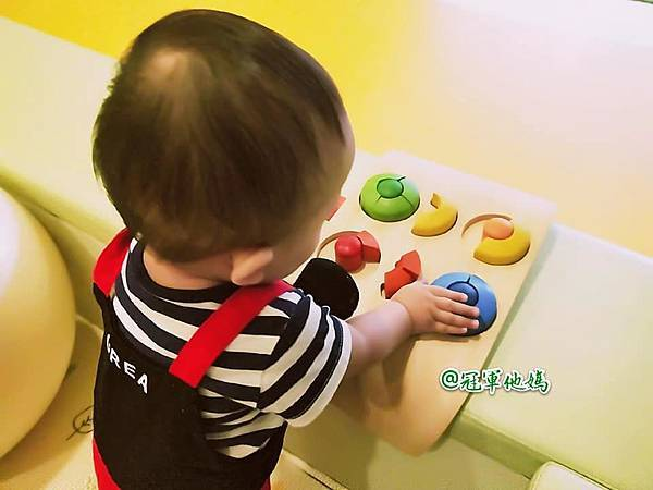 英國BabySensory親子教育-PCT童樂匯 感統遊樂區 寶寶感統課程 感覺統合 五感發展 寶寶發展 嬰幼兒發展 寶寶音樂課 寶寶燈光秀53.jpg