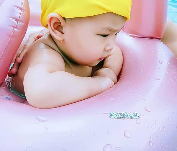 Doris Ann 朵麗絲安 網拍 親子裝 親子泳裝 包屁衣 寶寶衣服 寶寶穿搭 連身裝 套裝 女裝 哺乳衣 大安沙雕 暑假玩水 臺中沙雕 台中13.jpg