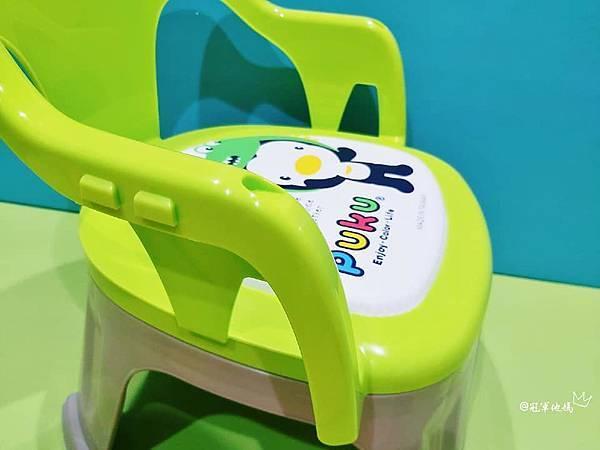PUKU 藍色企鵝 吸盤碗 叉匙 吸盤碗推薦 寶寶餐具 寶寶餐具推薦 防水圍兜 矽膠圍兜 矽膠防水圍兜 嗶嗶椅 吸管杯 寶寶水杯 不鏽鋼水壺BLW 自己吃飯 寶寶叉匙 不鏽鋼水杯 316不鏽鋼 寶寶餐椅 嬰幼兒用品 周歲禮物24.jpg