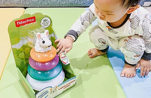 Fisher Price 費雪 LINKIMALS聯萌家族 費雪玩具 玩具推薦 優質玩具 奇哥 奇哥總代理 周歲送禮 週歲送禮 生日禮物 聖誕禮物 寶寶玩具 聲光玩具 套圈圈 益智玩具 故事機 聲光玩具組08.jpg