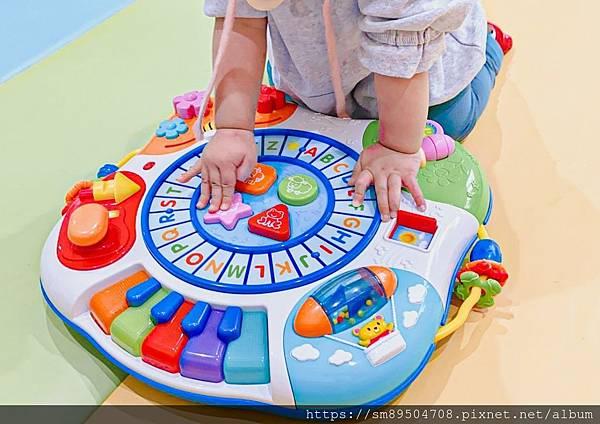 碩捷winfun 音樂字母桌 球球小火車 嬰幼兒益智玩具 幼兒玩具推薦 英語學習 玩中學 聲光玩_17.jpg