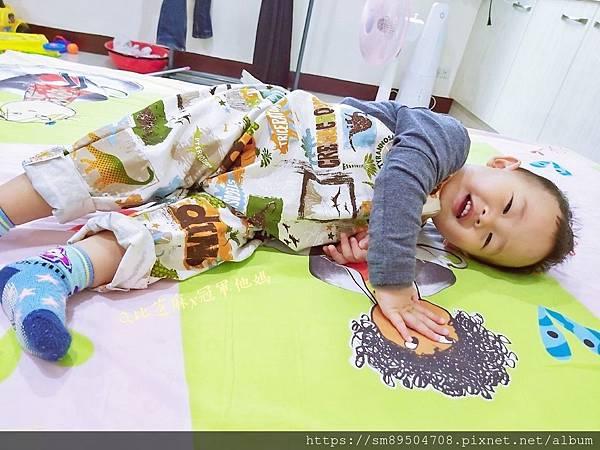 Q比芝麻 Q比寶貝芝麻 Q比芝蔴 暖心幸福手作 嬰兒圍兜 寶寶吊帶褲 帽子兜兜 手作寶寶服飾 _0.jpg