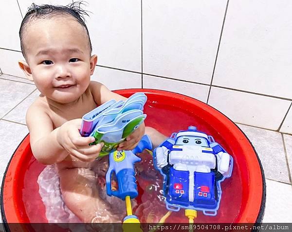 泛亞 ipan屋點讀洗澡書 點讀筆推薦 點讀書推薦 寶寶閱讀 嬰幼兒發展 寶寶發展 認知 洗澡_17.jpg