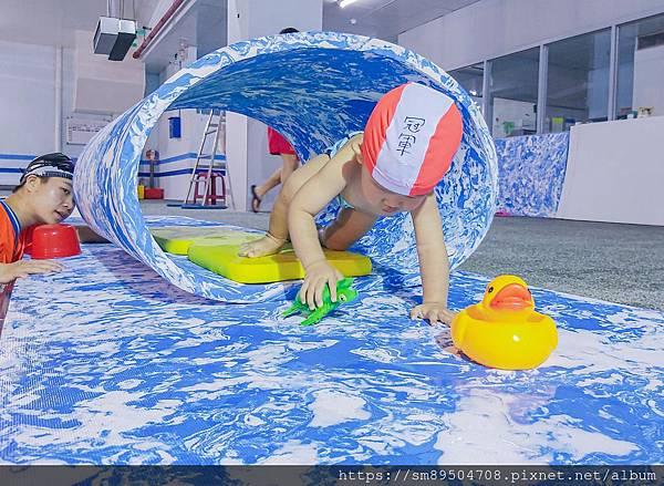 伊藤萬 萬華分校 板橋海山 寶寶游泳課 嬰兒游泳 嬰幼兒游泳 泳裝 潑寶 寶寶泳衣 splash2_200.jpg