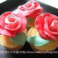 玫瑰混沌杯子蛋糕