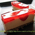 草莓乳酪冰蛋糕