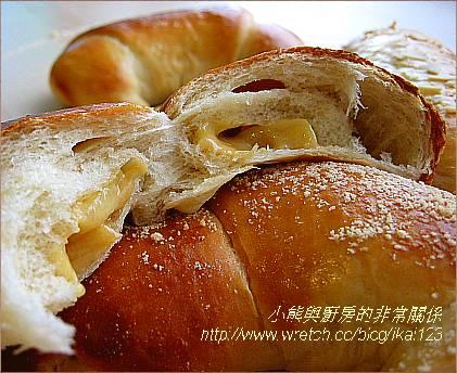 焦糖蘋果卡士達麵包