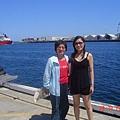 我和老媽  在佛李曼圖漁港的一角