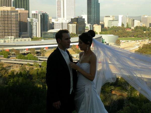 媽媽偷拍人家結婚照片