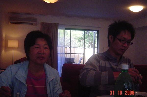 老媽和哥哥