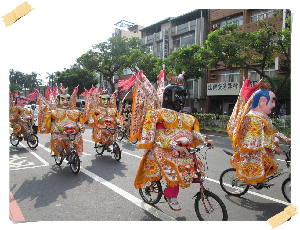 電音三太子記者會後於嘉義市區遊街造勢.JPG