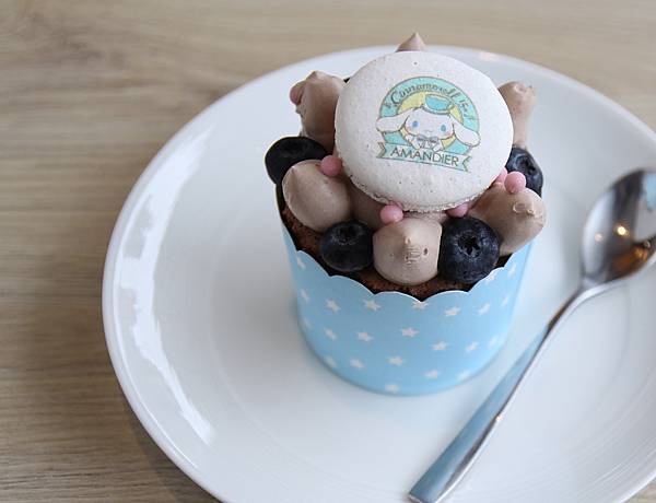 藍莓馬卡龍杯子蛋糕.$110.jpg