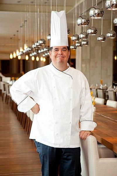 圖5 墨西哥食尚週客座主廚Mr. Arturo  Cristiane.jpg
