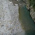 20080911-玩樂-10 碰不到的綠水