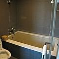 20081102-26 我可以整個人平躺進去的浴缸...