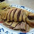 20100119-003 第一站,金包里鴨肉ㄜˋ(他真的是賣鴨肉啦,不是鵝肉!)