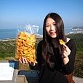 20100119-051 愷倫大美女為您推薦地瓜酥!