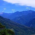 鯉魚山頂 望 奇萊.jpg