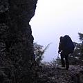 步道鑿於石壁上