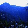 十里駐在所附近 遠望新康山影