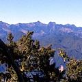 玉群 及 下方的達芬尖,塔芬山