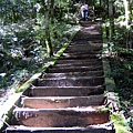 背水陡上著名的關山階梯