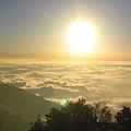 也享用著關山著名的夕陽雲海