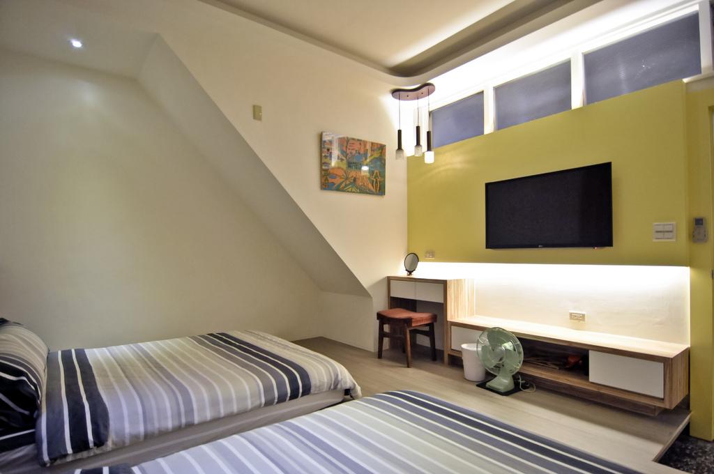 1F簡單俐落的溫馨四人房