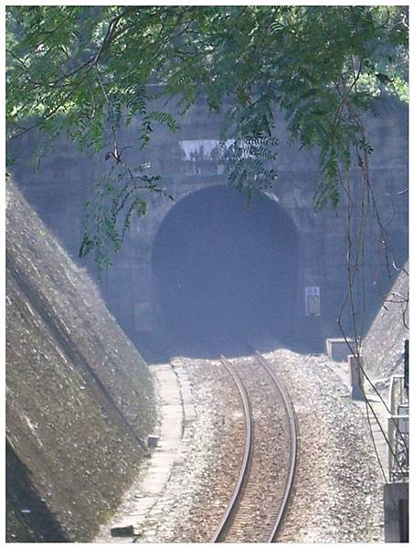 馬太鞍河底隧道入口