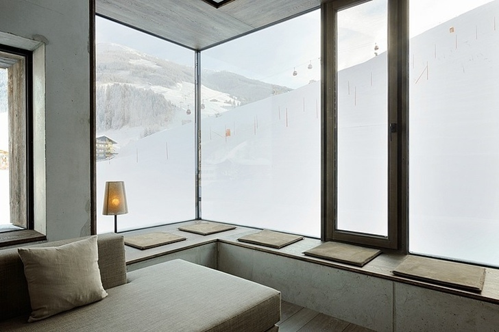 Amazing_Interior_Design_In_Boutique_Hotel_Austria_on_world_of_architecture_13.jpg