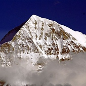 02Swiss Alps Monch 瑞士阿爾卑斯山脈莫希峰.jpg