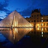 20Louvre Museum and the Pyramids 羅浮宮博物館及金字塔.jpg