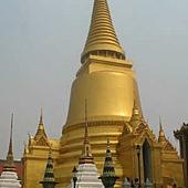 72Emerald Buddha Temple玉佛寺.jpg