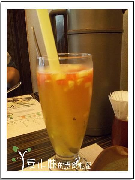 蘆薈鮮果汁 寬心園 台中素食蔬食.jpg