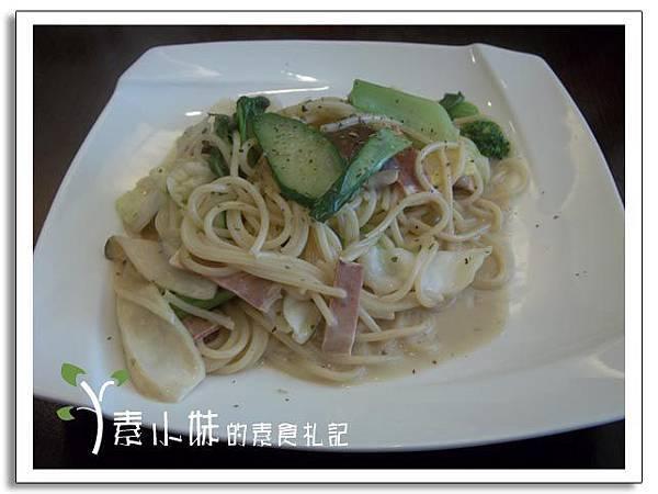 辣味培根義大利麵 見晴蔬食 台中素食蔬食食記.jpg