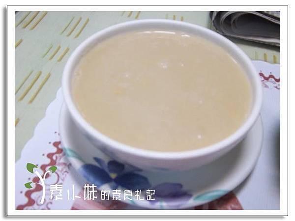 玉米濃湯 明禾素食 台中素食蔬食食記.jpg