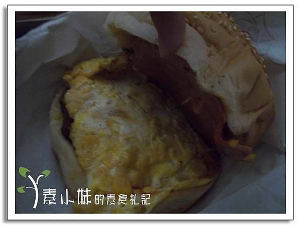 漢堡1 宜美樂中西素食早點 台中素食蔬食食記.jpg