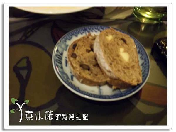 麵包 時光花園柴燒窯烤披薩 台中素食蔬食食記.jpg