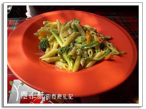 蘿勒蔬菜麵 書報館 台中素食蔬食食記.jpg