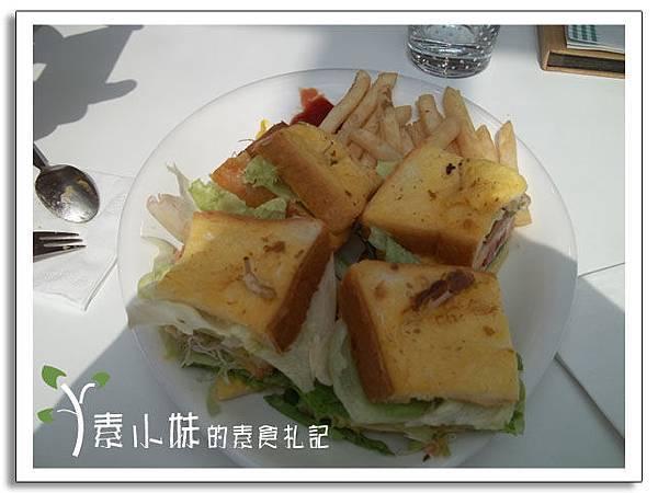 法式千層總匯翹翹板咖啡館 台中蔬食素食食記.jpg