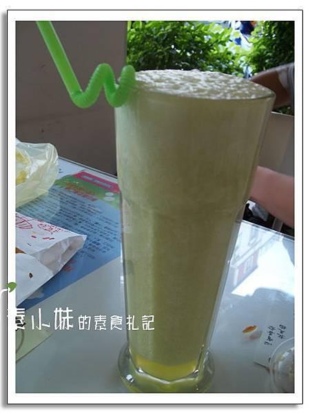 果汁 玉鼎蔬食料理 台中素食蔬食食記.jpg