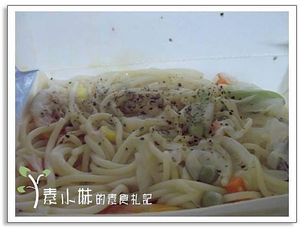 奶油蔬食義大利麵 OEC黑白捲海苔捲飯複合式餐飲 台中素食蔬食食記.jpg