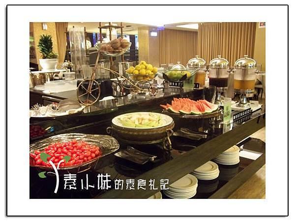 水果區 祇樹給麗緻素食百匯餐廳 台中素食蔬食食記拷貝.jpg