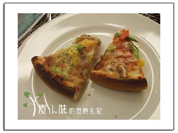 比薩 祇樹給麗緻素食百匯餐廳 台中素食蔬食食記拷貝.jpg