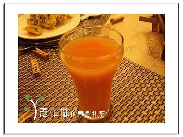 現打綜合果汁 祇樹給麗緻素食百匯餐廳 台中素食蔬食食記拷貝.jpg