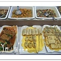 菜10 大紅花時尚蔬食百匯  台中素食蔬食食記 拷貝