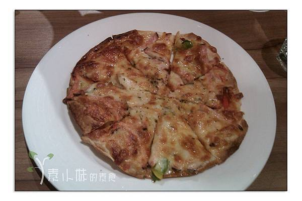 黑胡椒火腿比薩 plant plan蔬食計劃 台中素食蔬食食記 拷貝
