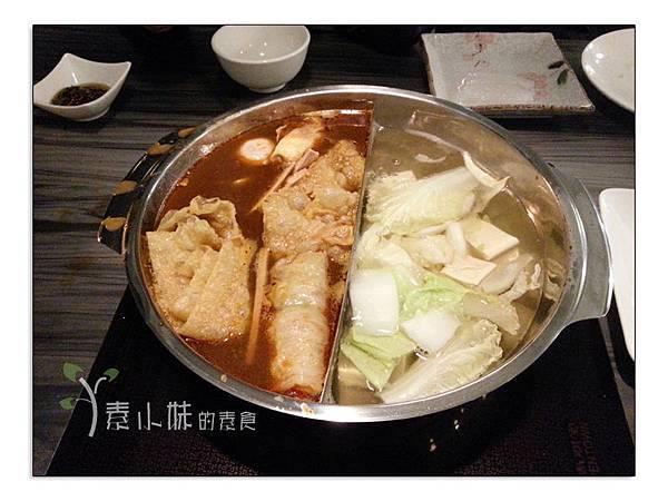 湯頭-小心上癮ㄧㄣˇ素食麻辣火鍋吃到飽台中素食蔬食食記2 拷貝