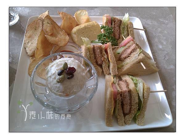 香酥朱排總匯三明治 澄石蔬食咖啡廚坊chensveg cafe kitchen 台中素食蔬食食記